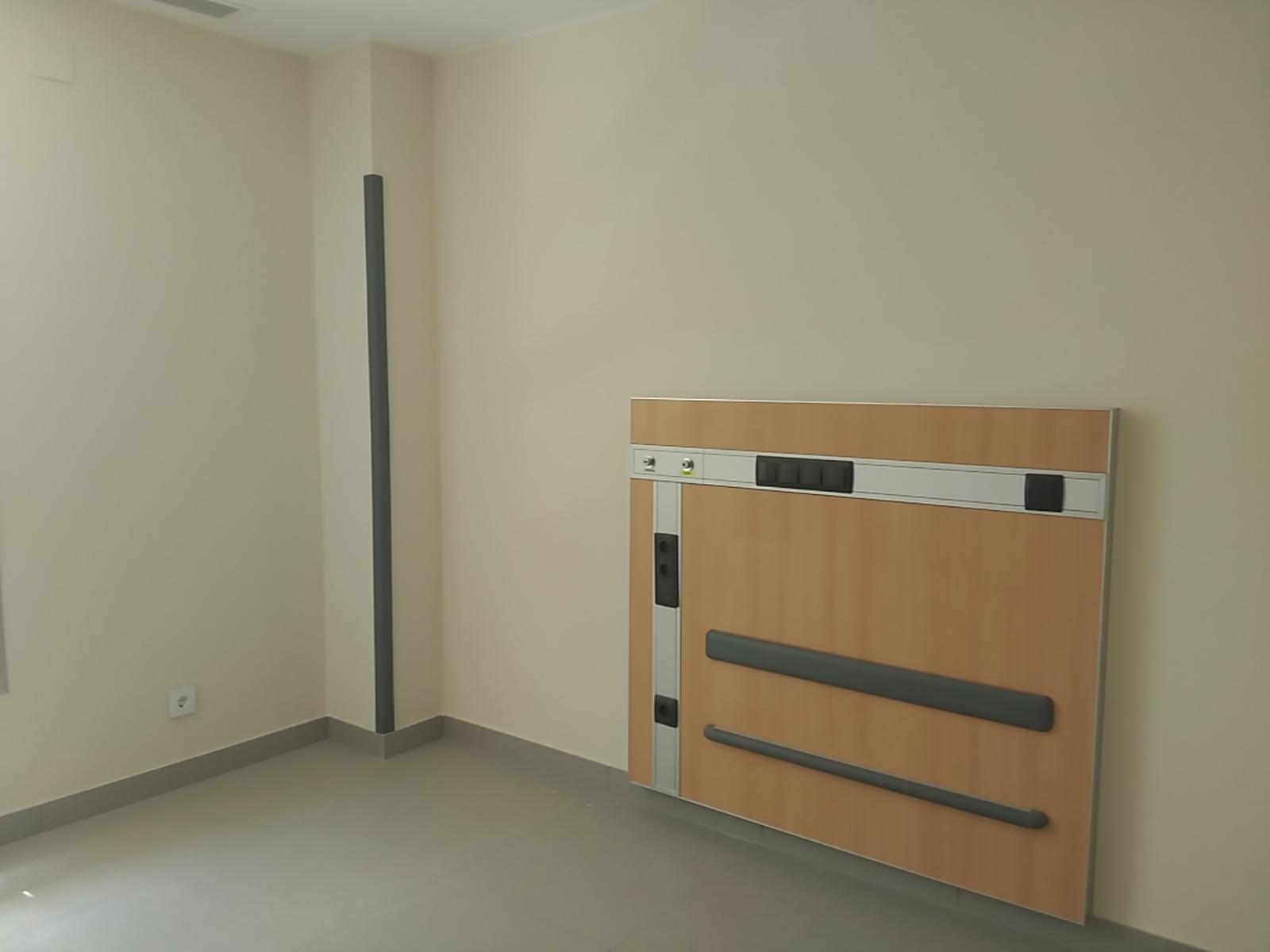protector-pared-hospital-pasillo