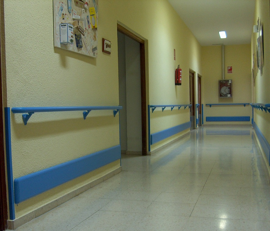 handrail-wallprotection-wheelchair